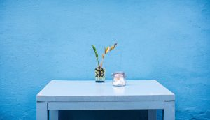 table bleu